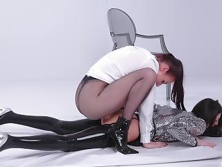 Lesbian Strap-on And Latex Fetish (4k)