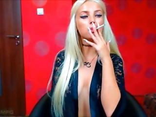 Smoking Beauty 32