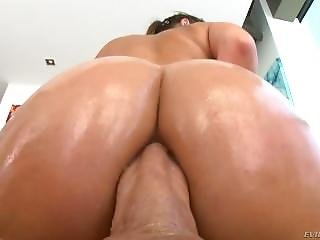 Charlotte Cross Has Hungry To Cock Ass