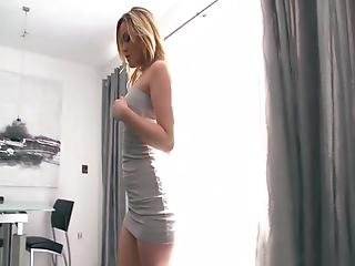 Alexis Texas Claps Her Ass Up And Down A Man's Cock