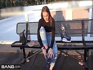 Jessie Wylde Shows Off Her Bj Skills In A Public