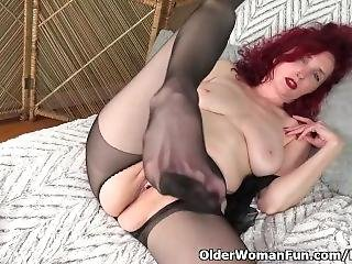 American Milf Zinnia Blue Gets Turned On In Nylon