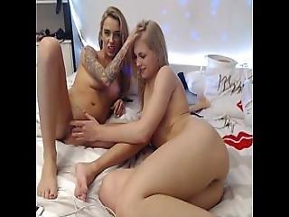 6cam.biz Teen Siswet19 Flashing Ass On Live Webcam