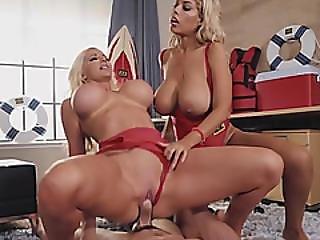 blond, blowjob, fed, cleavage, cowgirl, fake bryster, kneppe, handjob, pornostjerne, drilleri, trekant