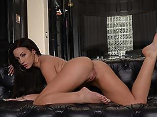 A Horny Housewife Jennifer White Gets Fuck By A Hunk Stranger.visit Bzhotporns.com