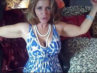 Miss Classy Diane Flexing Her Milf Biceps
