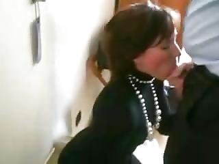 Quick Blowjob From The Secretary In The Hotel Room