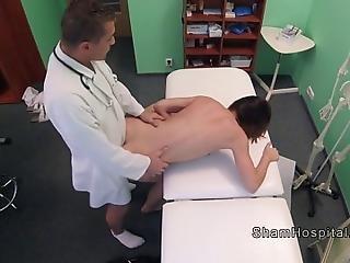 amatør, brunette, doktor, kneppe, hardcore, lang benet, kontor, fisse, sexet, slim, stram, stram fisse