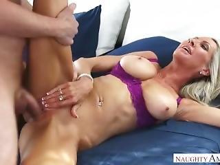 Emma Starr, Naughty America