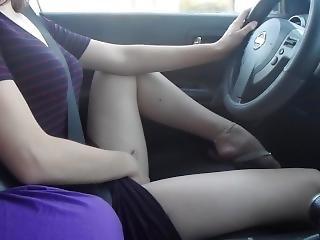 College Teen Cumming In Car After School In Pubic