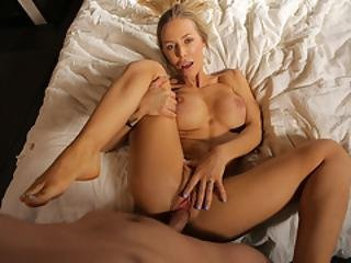 Fuckday With Nicole Aniston And Alison Rey
