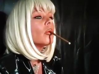 blonde, anglaise, mature, milf, caoutchouc, fumeur
