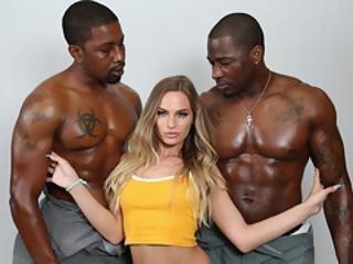 Veliki crni porno bodybuilder