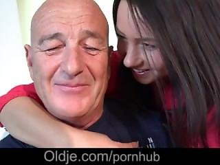 Sexy Teenie Suck Old Dick And Gets Its Cum On Eyes And Face