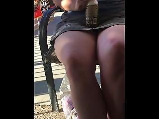 veřejné, sukně, solo, pohled pod kalhotky