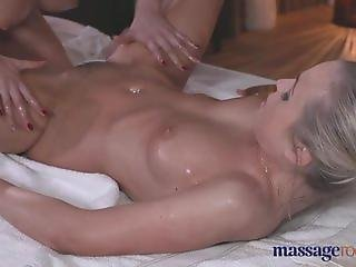 Massage Rooms Sexy blonde in lesbian romp
