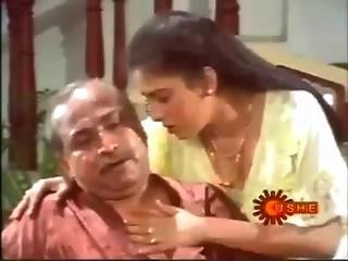 Mallu Aunty Enjoy With Her Uncle - Hot B Grade Movie