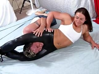 Sexy Muscle Girl Wrestling