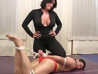 Japonské lesbické wrestling porno