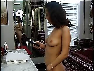 Cute Sexy Ho Shaving Her Pussy