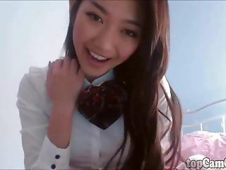 Sexy Asian Schoolgirl On Webcam