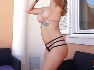 Erica Fontes-striptease Outdoor