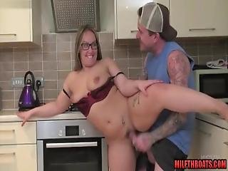 Hot Mom Blowjob With Cumshot