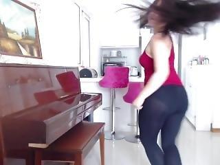Hot Asian Teen Shaking & Twerking Her Huge Bubble Butt In Tight Leggings !