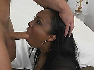 cú, bolas, lamber as bolas, grande cú, grande caralho, grandes mamas, broche, recompensa, chefe, rabo, garagnta funda, de quatro, foder, hardcore, interracial, lamber, foder mamas