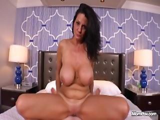 Fucking A Horny Huge Boobs Nympho Milf