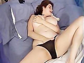 Naked Kathryn Having Phonesex With Her Boyfriend