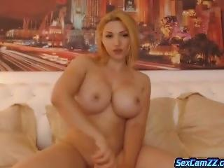 Super Booty And Big Boobed Jane Play With Toys On Sex Camzz