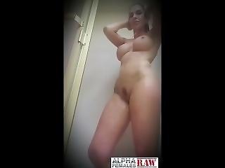 Savana Styles_twerk And Talk Shit In The Shower