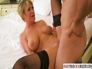 Mommy Dee Williams In Stockings Gets Hadcore Fuck
