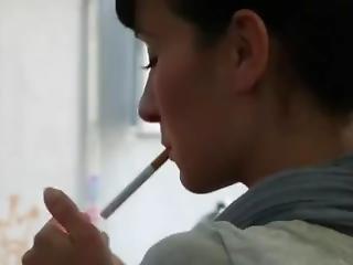 brunety, sexy, kouření
