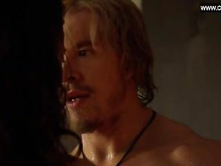 Jenna Lind - Shows Her Incredible Tits - Spartacus S03e02 (2013)