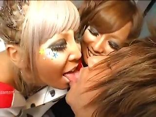 Tan Gals In Weird Makeup Have Sex With One Guy
