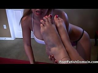 Megan Jones Sucks On Perfect Toes
