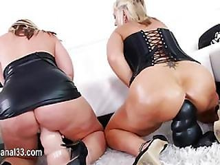 Sexy Babe Love Bum Toying Her Tight Ass