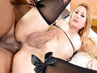 Ts Samantha Souza Is Eager To Assride A Cock