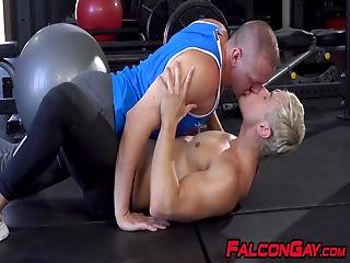 Herculean Gay Guy Gives His Young Boyfriend Rim Job Before He Fucks The Hell Out Of His Ass While Working Out At The Gym