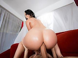 Apple Bottom Ass Goes On Top Of Keiran Lees Big Cock