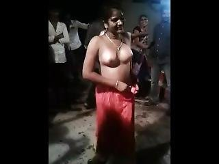 Woman Open Her All Clothes Nude Dance In Public