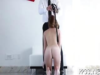 stor cock, brunette, gulv, massage, milf, tattovering, vibrator