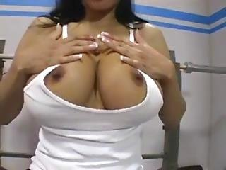Alexis Amore Off The Rack