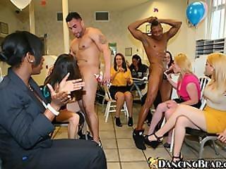 Shameless Horny Women Loves Sucking Big Dick