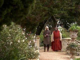 Emilia Clarke - Games Of Thrones S1