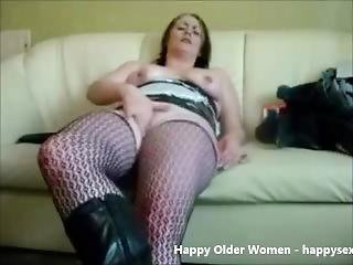 Mature Slut Sel Taped Masturbating. Amateur Older