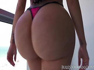 Jules Jordan Lela Star Tits And Ass On South Beach