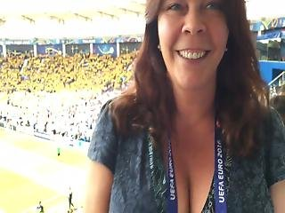 Elegant Reporter Jennifer Wegerups Famously Gigantic Tits